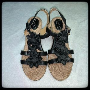 BOC Bork concept Black and Tan edge sandals 10